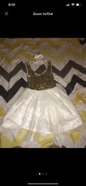 gold and white formal dress for Sale in Leander, TX