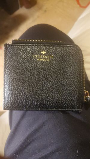 L`ETERNITE Edition lll Wallet for Sale in Hayward, CA