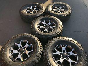 "(5) 17"" Jeep Rubicon JL Wheels 285/70R17 Bfgoodrich All Terrain KO2 for Sale in Santa Ana, CA"