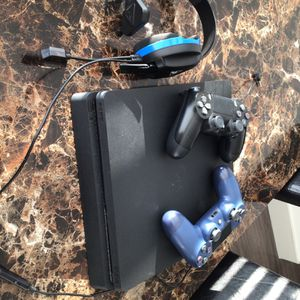 PS4 Slim 500 GB With Turtle Beach Mic Headset 2 Controllers And 2 PS4 Games for Sale in Wylie, TX