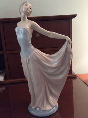 Lladro Dancer Woman Figurine for Sale in Belleair, FL