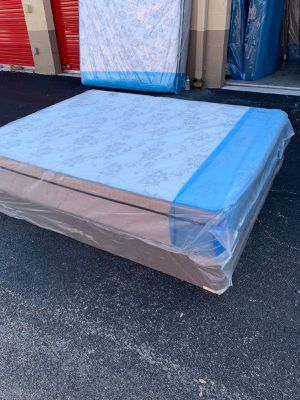 New Queen Plush Pillowtop Mattress and Box Spring Set for Sale in Boynton Beach, FL