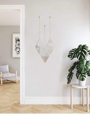 Set of 3 diamond shaped mirrors. for Sale in La Vergne, TN