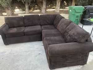 Sectional couch *delivery available for Sale in Corona, CA