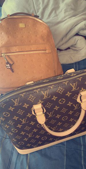 Louis Vuitton purse for Sale in Covington, GA