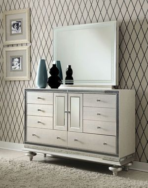 Michael Amini bedroom set Cal King Bed, dresser w/ mirror, 2 night stands for Sale in Los Angeles, CA
