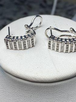 10k White Gold Diamond Earrings for Sale in Baltimore,  MD