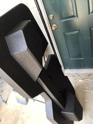 Subwoofer box for dodge 13-18 body style for Sale in Houston, TX