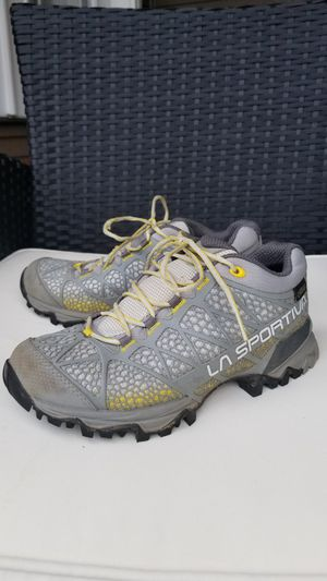 La sportiva waterproof GTX hiking boots WOMEN'S size 6 couple times worn! for Sale in Tacoma, WA