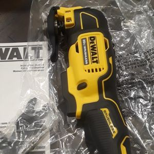 Brand new Dewalt 20v Atomic Brushless Oscillating tool With Blade Tool Only $80 for Sale in Fresno, CA