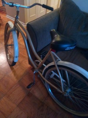 Brand New Never used Explorer 2 seat bike trailer..Huffy cruiser bike in good condition for Sale in Washington, DC