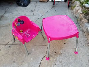 Pink table and chair in good condition for Sale in Monterey Park, CA