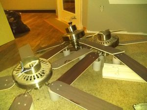 3 ceiling fans almost new tonight only plus lights for Sale in Gresham, OR
