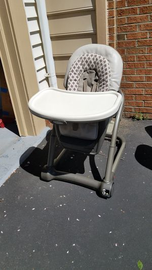 Perfect High chair ,graco 4×1 for Sale in Centreville, VA