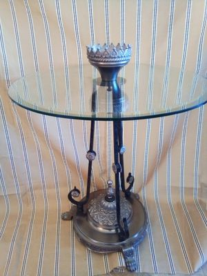 Antique indie end table with claw feet for Sale in Tolleson, AZ