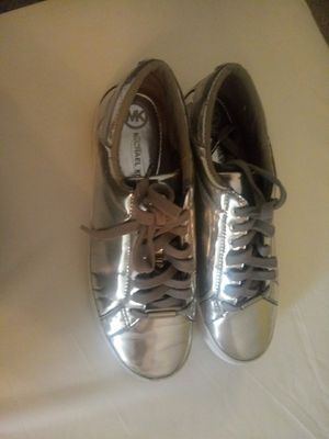Authentic Michael Kors shoes size 7 in good condition for Sale in Virginia Beach, VA