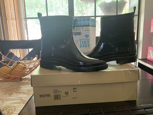 Rainbootie leather/ botas de charol para agua michael Kors for Sale in Grand Prairie, TX