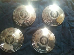 Early 1932 cadillac hub caps for Sale in Prineville, OR