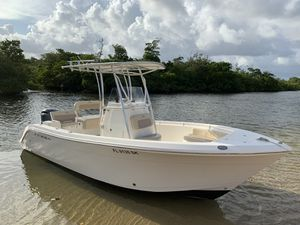 2017 Cobia 220 center console boat for Sale in Hollywood, FL