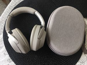Headphones (Sony W-1000XM3 Wireless Noise Cancelling) for Sale in San Diego, CA