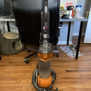 Dyson DC25 Animal Vacuum for Sale in Harrisburg, PA