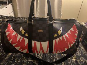 Midsize duffle bag for Sale in Las Vegas, NV