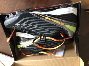 New Rawlings cleats size 8.5 baseball, lacrosse, soccer, football for Sale in Worcester, MA