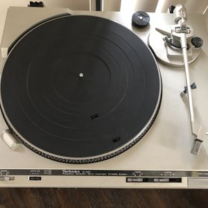 Stereo turntable Polk speakers and teac receiver for Sale in San Diego, CA