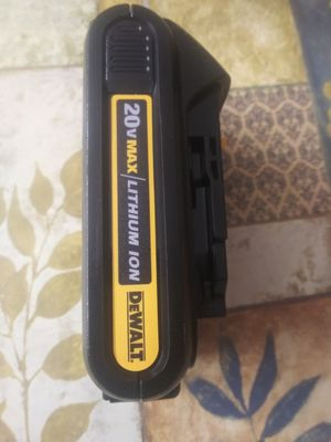 20 v battery dewalt 1.5 ah for Sale in Oak Forest, IL