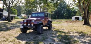 95 Jeep, 4 cyl. 4 WD, good cond. Soft top and soft doors and come with tow bar for Sale in Melfa, VA
