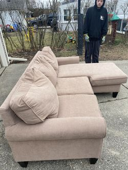 Beautiful Tan Sectional (smaller, Perfect For Smaller Spaces Or Apartments) In Excellent Shape for Sale in Roseville,  MI