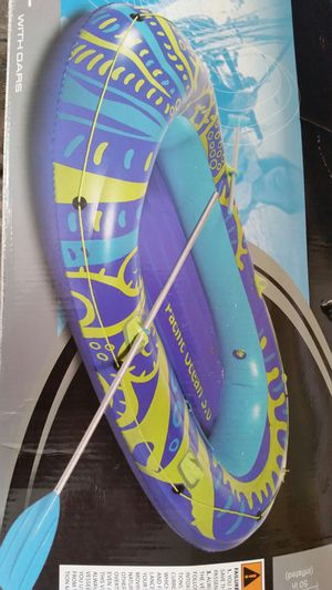 Fun Inflatable Boat with oar for Sale in Melbourne, FL