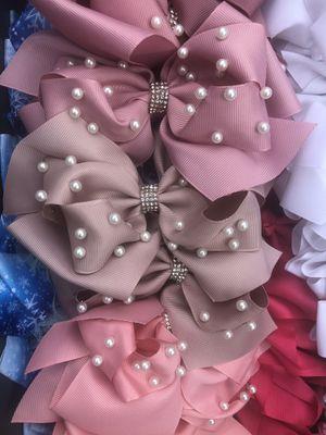 Bows 🎀 for Sale in Diamond Bar, CA