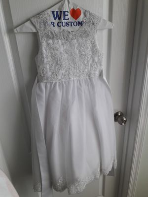 Pearl studded flower girl dress with lace size 7 for Sale in Waldorf, MD