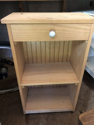 End table or kitchen stand for Sale in Clearwater, FL