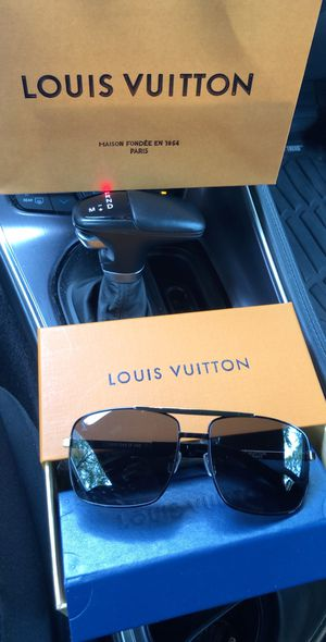 Louis Vuitton Attitude sunglasses Black Z1080U for Sale in Houston, TX