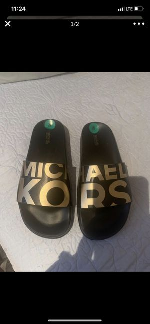 Authentic Michael Kors women's sandals size 8 for Sale in Norco, CA