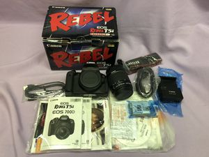Canon EOS Rebel T5i with 18-55 mm Kit Lens All Accessories/Box! Barely used! for Sale in Los Angeles, CA