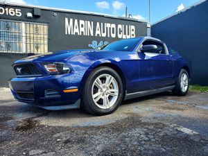 2011 FORD MUSTANG COUPE for Sale in Miami, FL