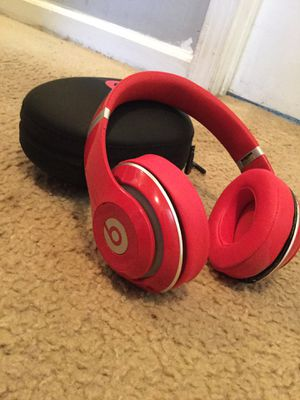 Wireless studio beats by Dre for Sale in Hampton, GA