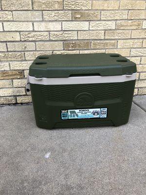 Igloo Quantum 55qt Sportsman cooler for Sale in Addison, IL