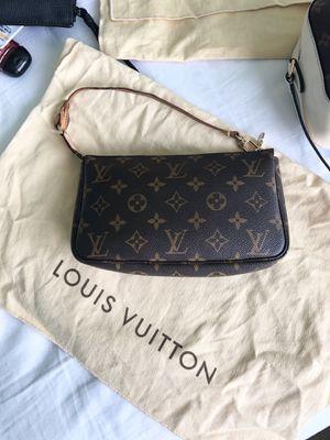 Louis Vuitton Pochette Accessoires for Sale in Las Vegas, NV