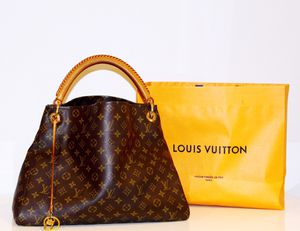 Louis Vuitton Artsy Bag for Sale in Washington, DC