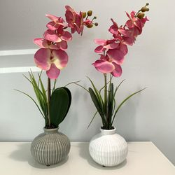 "New Pair of Orquids in LANTANA. Grey and White colors Ceramic vases and stylish silk flower designs. 21""tall, 5""wide. Accents Decor Office Craft Ornam for Sale in Lake Worth,  FL"