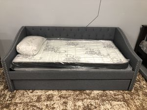 Day bed 🛏 for Sale in Los Angeles, CA