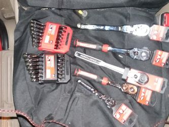 Craftsman V Ratchet Set Of Standard Ratchet Wrenches In A Set Of Metric Ratcheting Wrenches 7 Pieces Each for Sale in San Jose,  CA