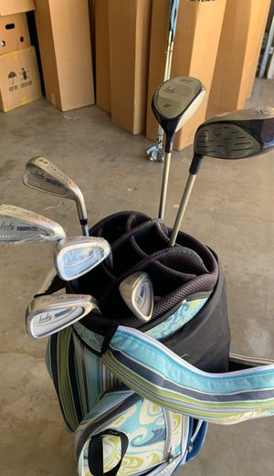 New Women's golf clubs La Jolla 4-SW with two woods and bag for Sale in Calimesa, CA