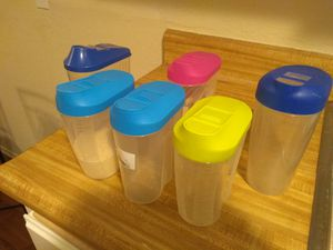 6 Plastic Storage Containers for Kitchen for Sale in Burbank, CA
