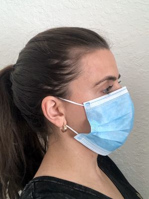 Face Mask Disposable 10 pc \ Blue Earloop elastic / Reduces risk of contracting flu Coronavirus / lightweight breathable / travel airplane for Sale in Miami, FL
