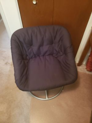 Black Swivel Chair for Sale in Bloomington, IL
